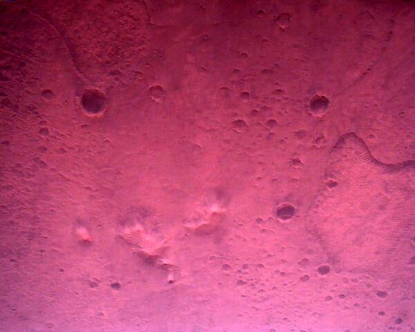 Поверхность Марса, снятая при посадке марсохода на планету - Sputnik Таджикистан