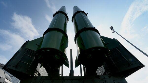 Ракетный комплекс Искандер-М на церемонии открытия Международного военно-технического форума АРМИЯ-2016 во Владивостоке - Sputnik Тоҷикистон