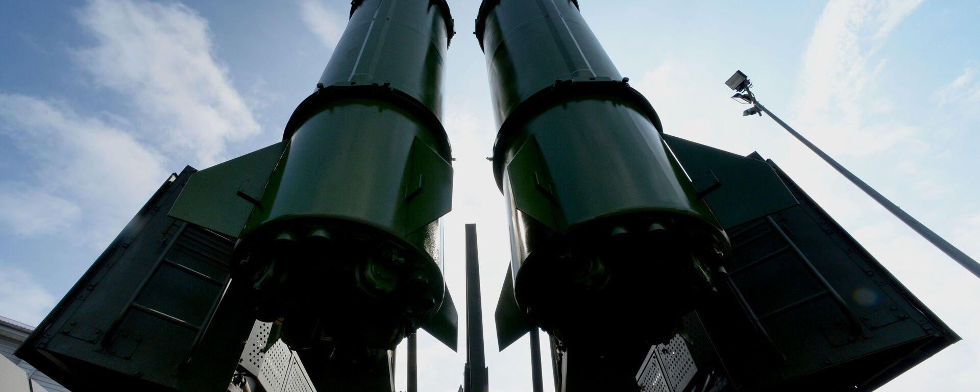 Ракетный комплекс Искандер-М на церемонии открытия Международного военно-технического форума АРМИЯ-2016 во Владивостоке - Sputnik Тоҷикистон, 1920, 05.10.2021