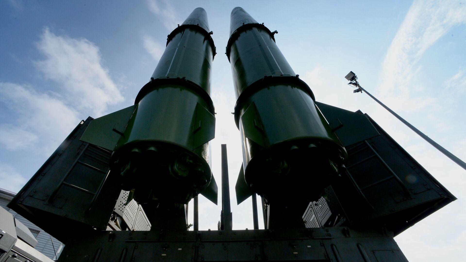 Ракетный комплекс Искандер-М на церемонии открытия Международного военно-технического форума АРМИЯ-2016 во Владивостоке - Sputnik Таджикистан, 1920, 25.02.2021