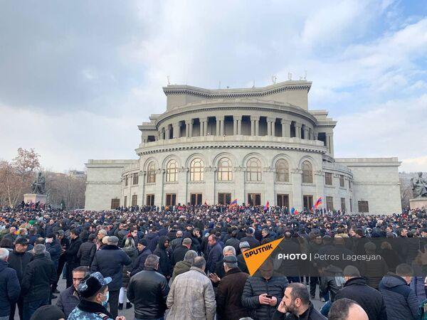 Площадь Свободы во время митинга оппозиции - Sputnik Таджикистан