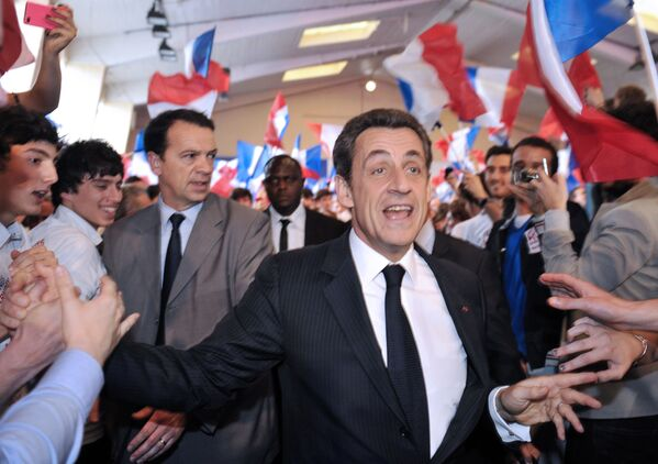 Президент Франции и кандидат от партии UMP во время предвыборной компании - Sputnik Таджикистан