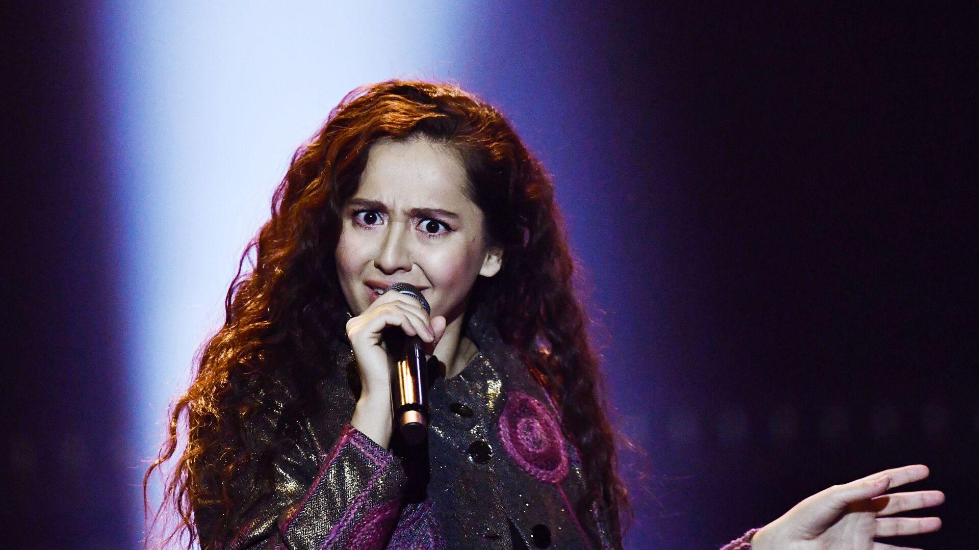 Певица Manizha (Манижа) выступает на концерте в Crocus City Hall в Москве - Sputnik Таджикистан, 1920, 23.03.2021