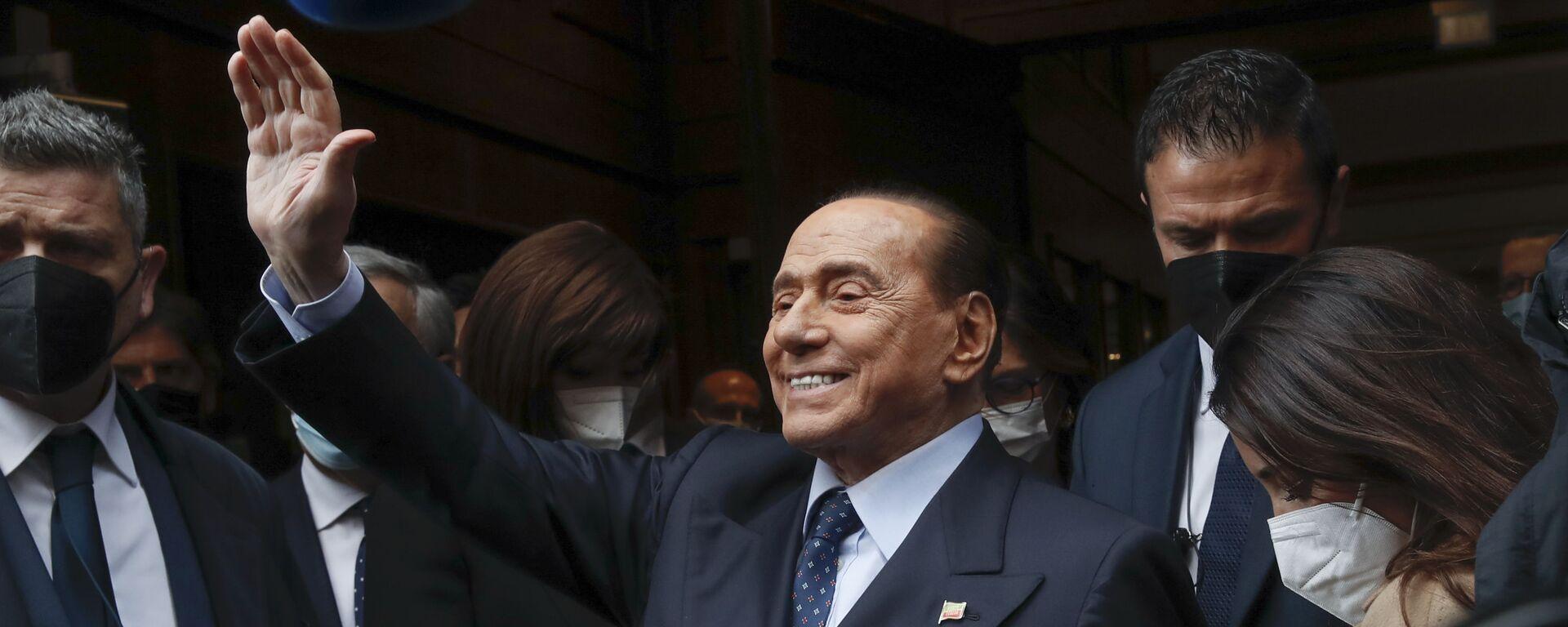 Бывший премьер-министр Италии Сильвио Берлускони - Sputnik Таджикистан, 1920, 11.03.2021
