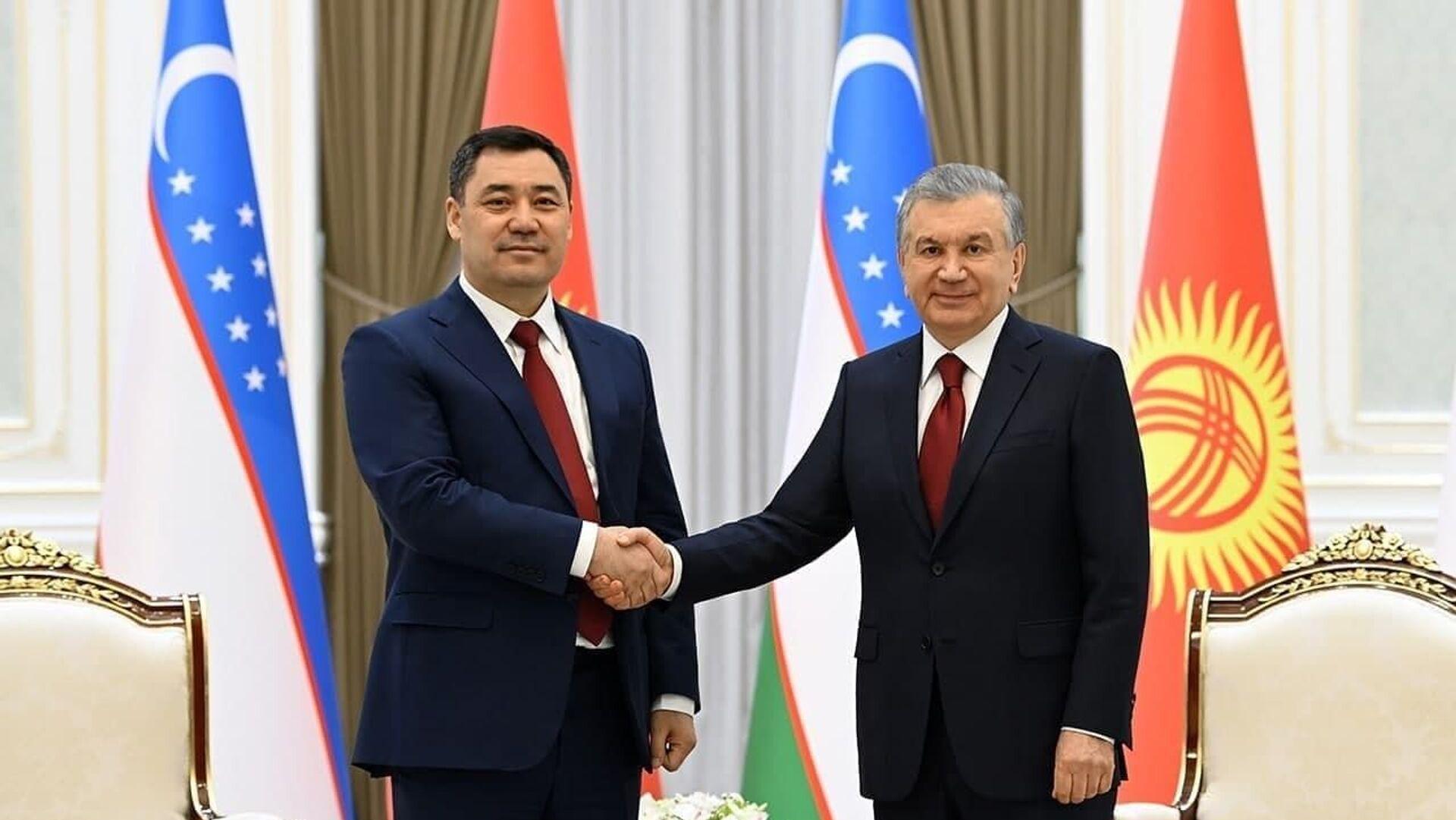 Президент Узбекистана Шавкат Мирзиёев и президент Кыргызстана Садыр Жапаров - Sputnik Таджикистан, 1920, 11.03.2021