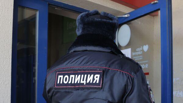 Сотрудник полиции, архивное фото - Sputnik Таджикистан