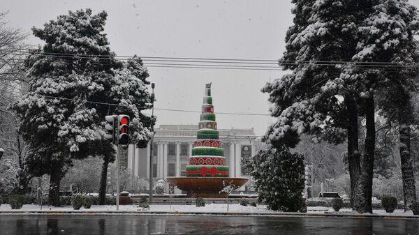 Душанбе в снегу - Sputnik Таджикистан