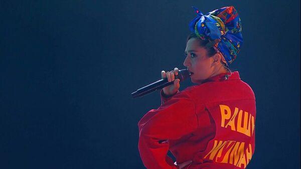 Выступление певицы Манижи на первом канале - Sputnik Таджикистан