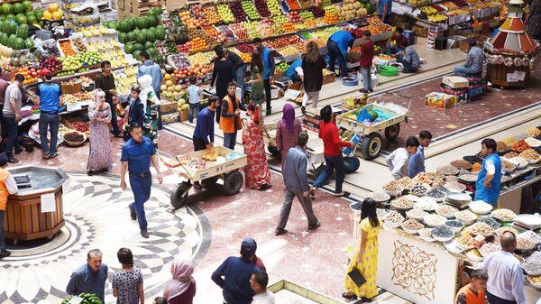 На рынке Мехргон - Sputnik Таджикистан