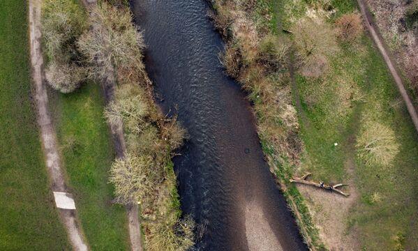 В отчете Манчестерского университета за 2018 год указывалось, что у реки Тейм возле Дентона был худший уровень загрязнения микропластиком из когда-либо зарегистрированных в мире - Sputnik Таджикистан