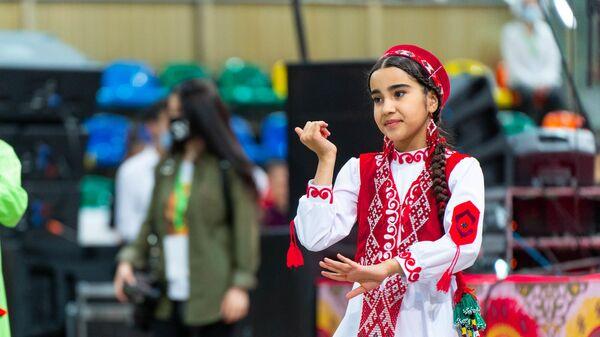 Празднование Навруза в Москве на стадионе Лужники - Sputnik Таджикистан