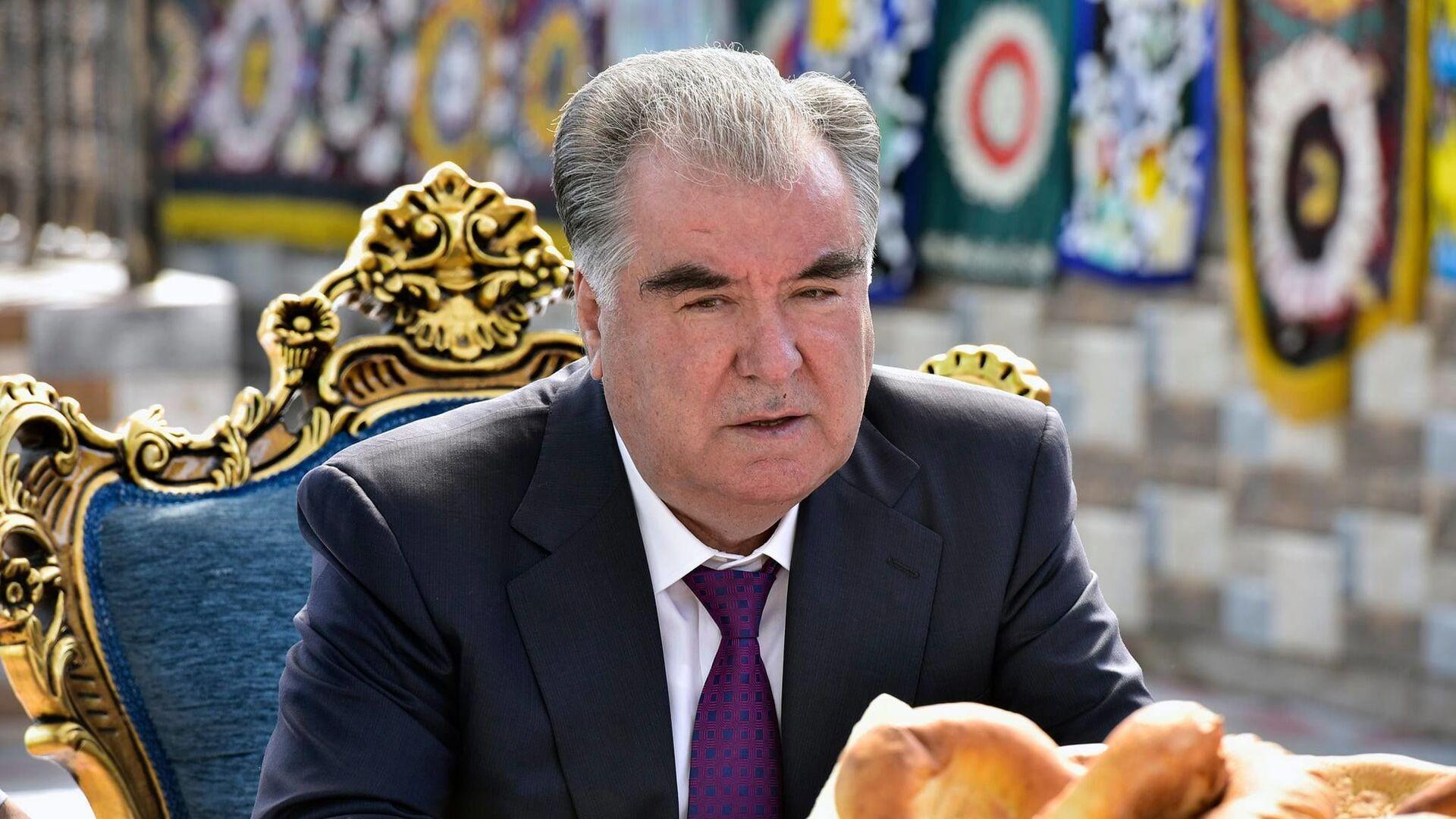 Президент Республики Таджикистан Эмомали Рахмон - Sputnik Тоҷикистон, 1920, 25.07.2021
