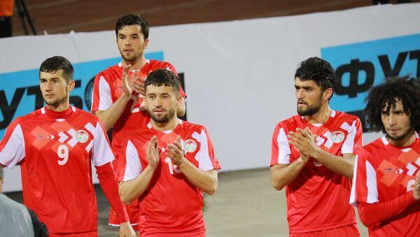 Сборная Таджикистана после матча с Монголией - Sputnik Таджикистан