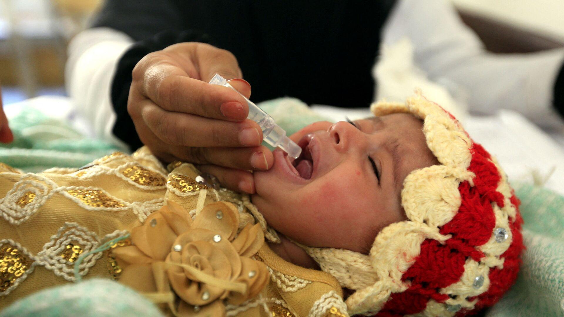 Вакцинация детей от полиомиелита - Sputnik Таджикистан, 1920, 29.06.2021