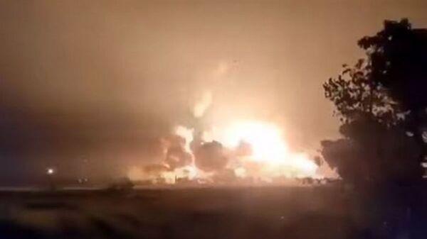 Взрыв и пожар на заводе в Индонезии - Sputnik Тоҷикистон