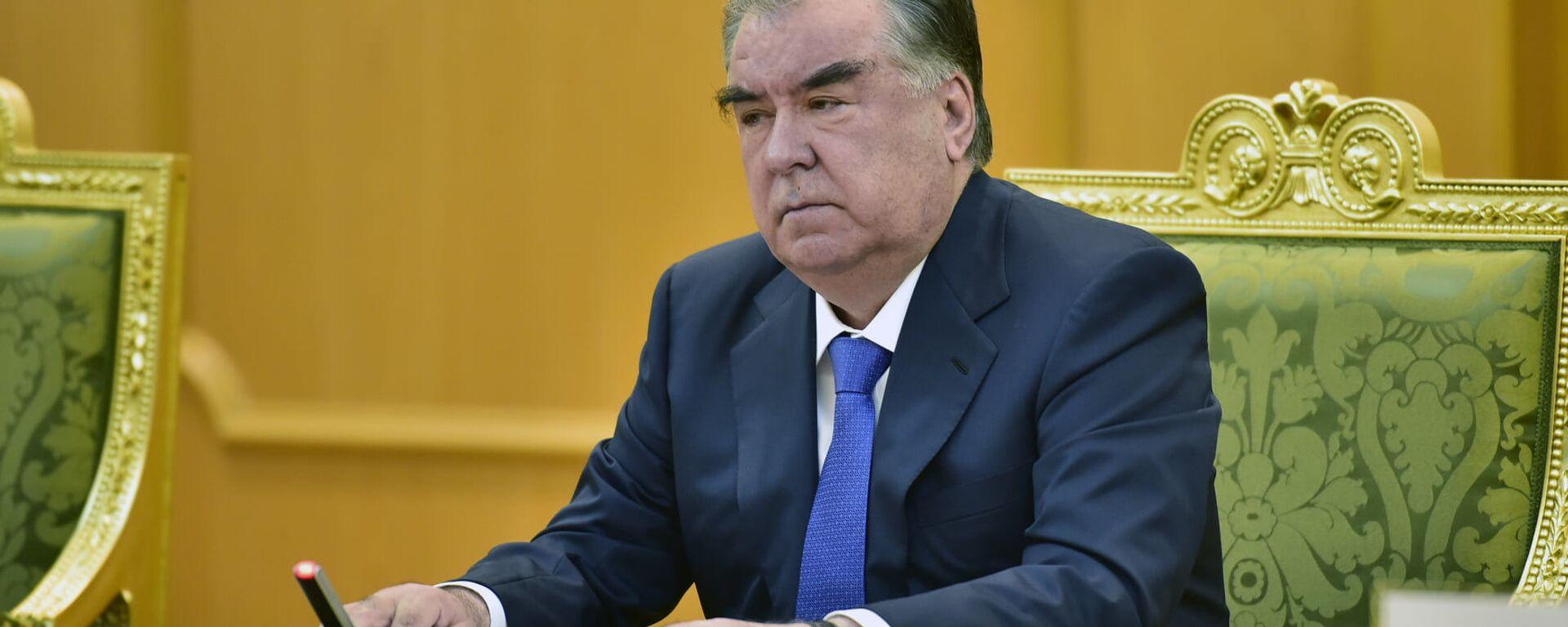 Президент Республики Таджикистан Эмомали Рахмон - Sputnik Таджикистан, 1920, 19.05.2021