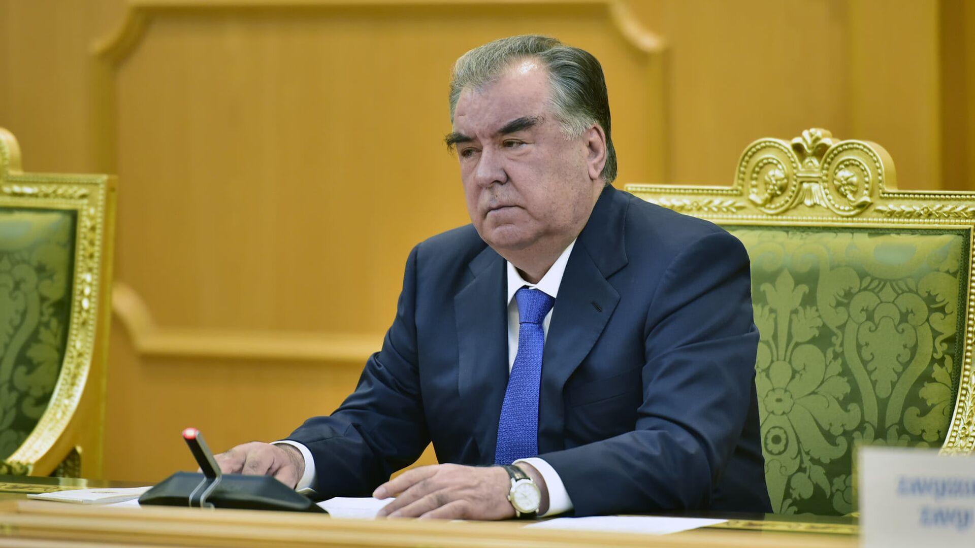 Президент Республики Таджикистан Эмомали Рахмон - Sputnik Тоҷикистон, 1920, 07.04.2021