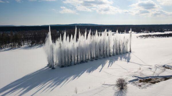 Противопаводковый подрыв льда на реке Бия в Алтайском крае - Sputnik Тоҷикистон