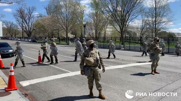 Капитолий в Вашингтоне снова атакован: погиб полицейский - Sputnik Тоҷикистон