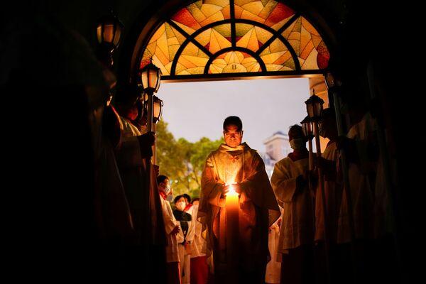 Китайские католики во время пасхального богослужения в Шанхае  - Sputnik Таджикистан