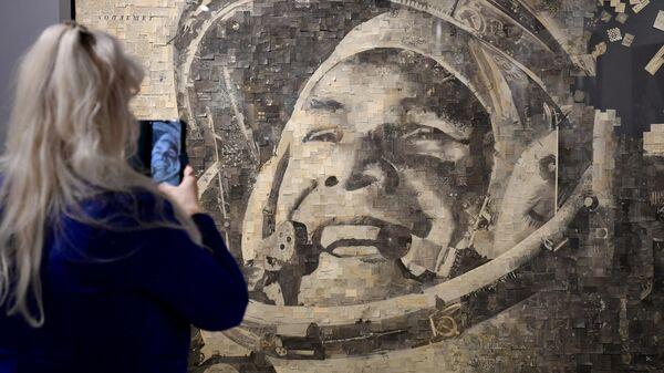 Выставка Космос наш! в галерее Artstory - Sputnik Таджикистан