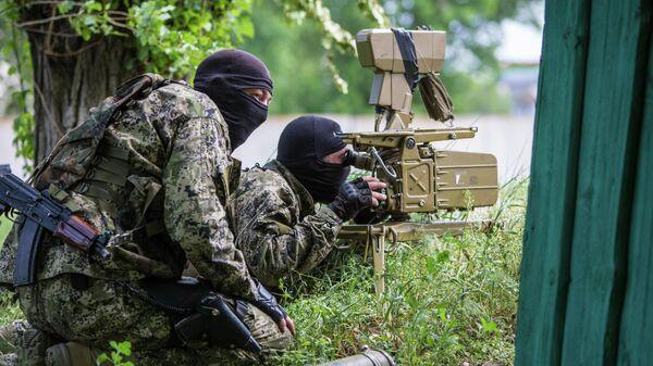 Бойцы народного ополчения Донбасса, архивное фото - Sputnik Таджикистан
