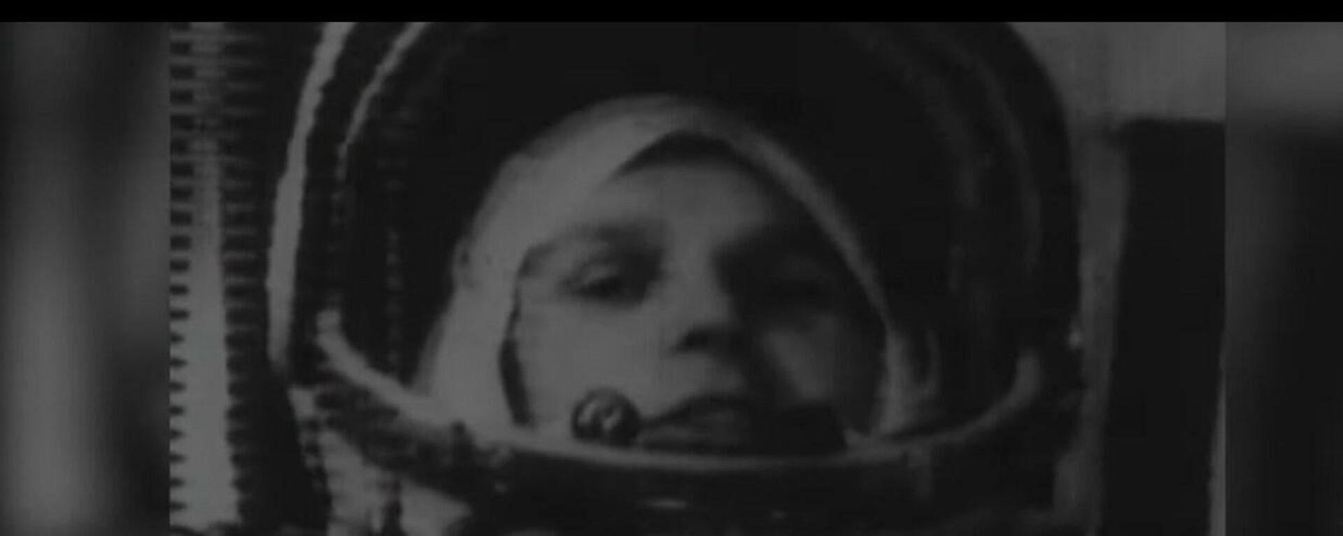 Юрий Гагарин дар кайҳон - Sputnik Тоҷикистон, 1920, 12.04.2021