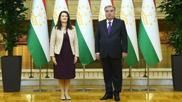 Глава ОБСЕ Анн Линде и президент Эмомали Рахмон - Sputnik Таджикистан