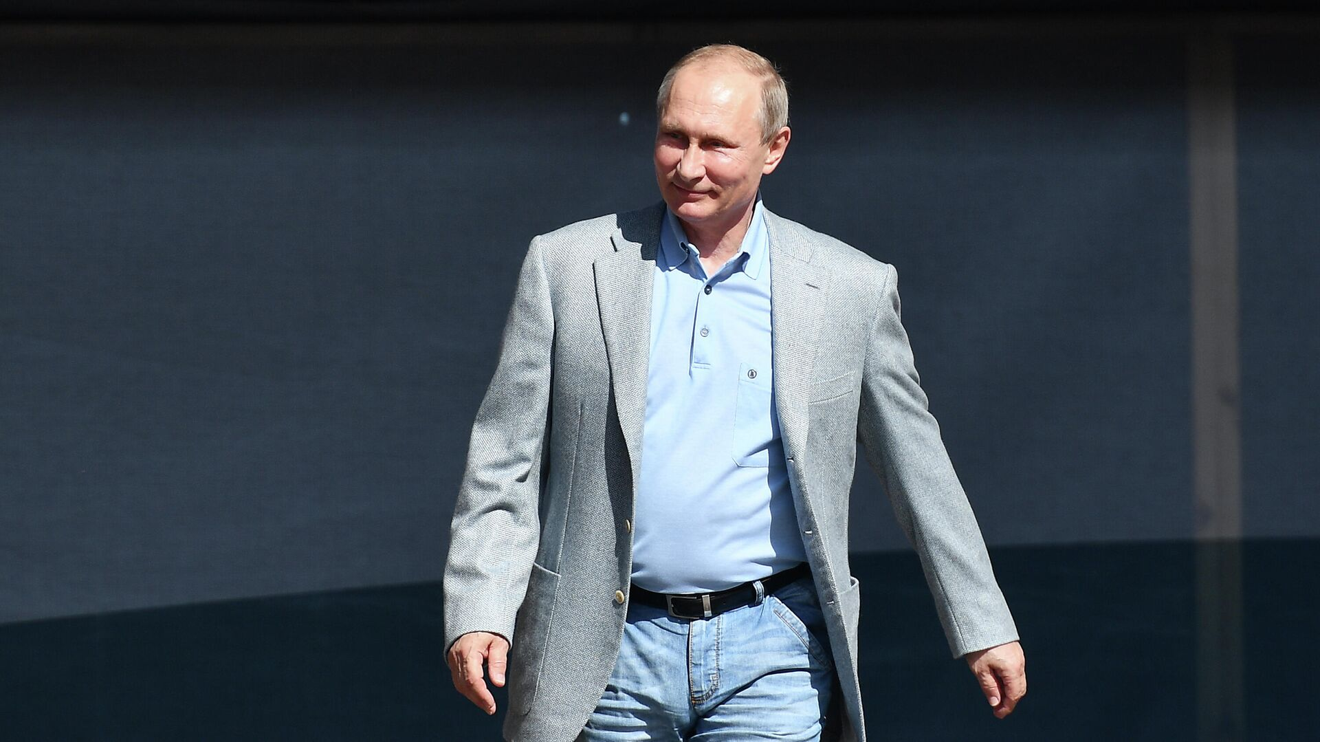 Президент РФ В. Путин посетил международный детский центр Артек - Sputnik Тоҷикистон, 1920, 07.10.2021