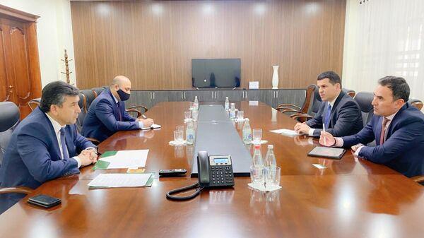 Встреча главы Амонатбанк и представителя ЕБРР в Таджикистане - Sputnik Тоҷикистон
