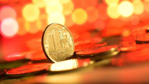 Монеты номиналом один рубль. - Sputnik Таджикистан