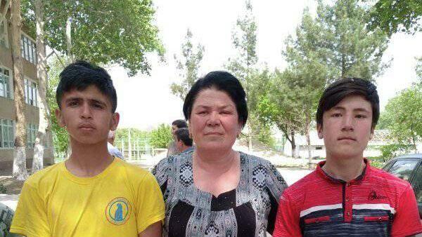 Школьники в Гафуровском районе Согдийской области - Sputnik Таджикистан