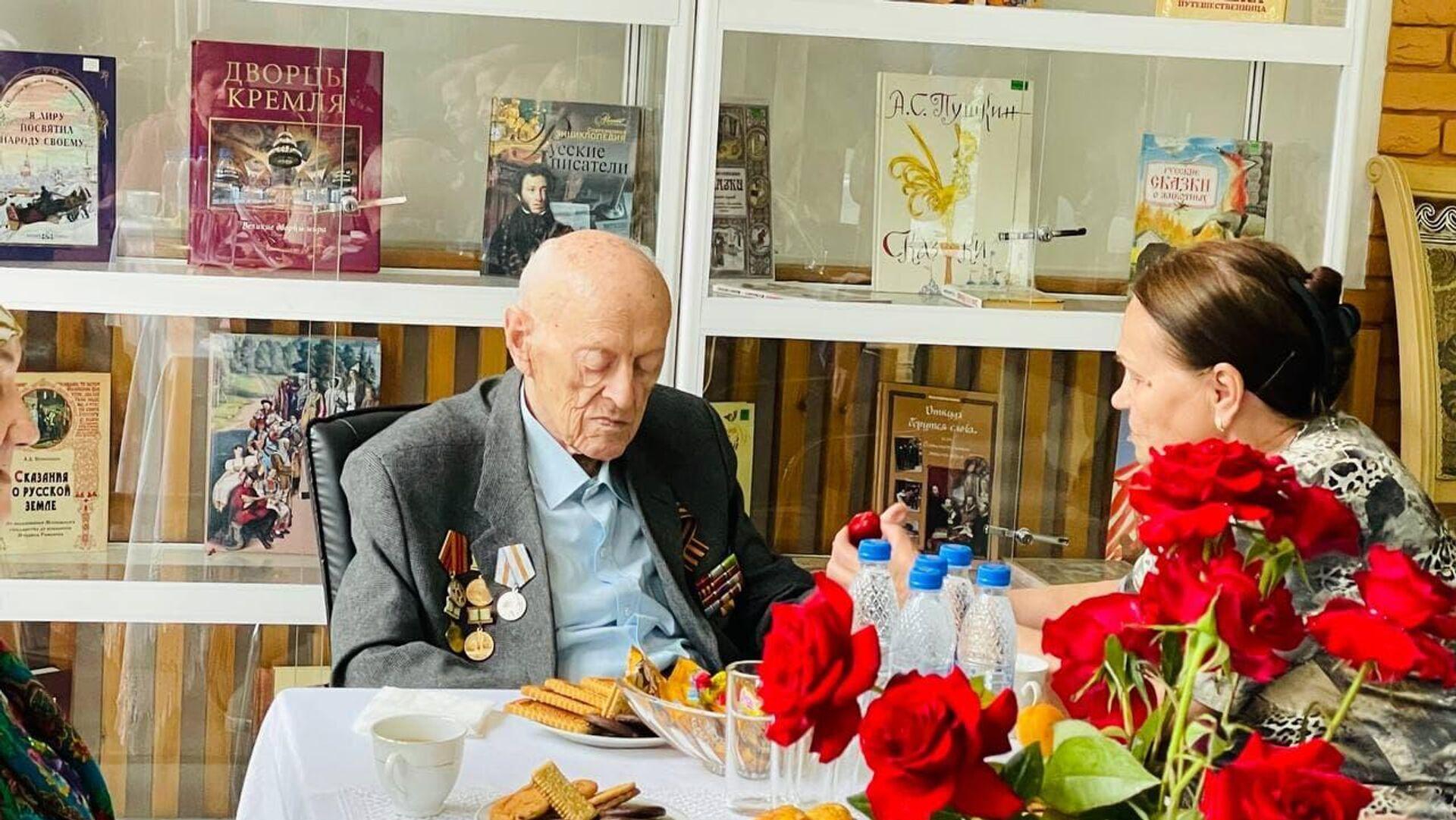 Ветеран Великой Отечественной войны из Таджикистана Олег Соболев - Sputnik Таджикистан, 1920, 05.05.2021
