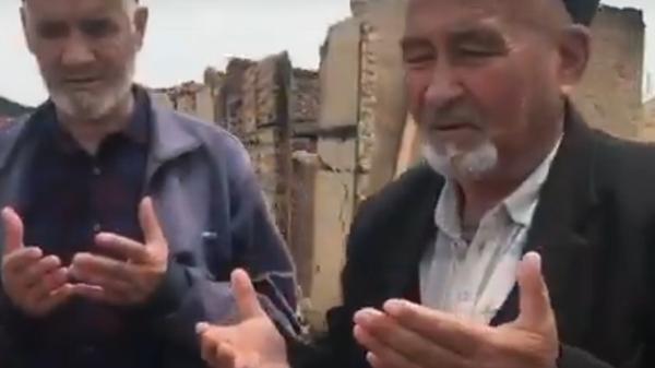 Волонтеры оказали помощь этническим таджикам, живущим в приграничном селе Максат - Sputnik Тоҷикистон