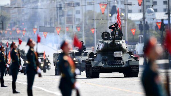 Военный парад в городах России, посвящённый 76-й годовщине Победы - Sputnik Тоҷикистон