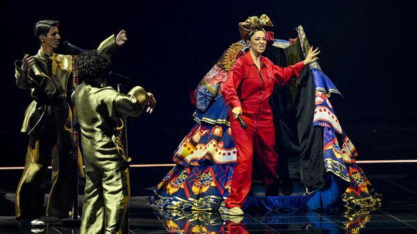 Российско-таджикская певица и автор песен Манижа поет во время второй репетиции первого полуфинала конкурса песни Евровидение в Роттердаме - Sputnik Таджикистан