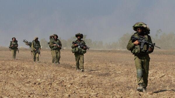 Израильские солдаты выходят в Секторе Газа - Sputnik Таджикистан