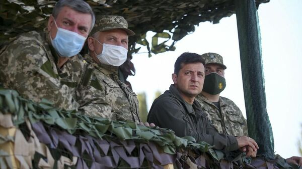 Президент Украины Владимир Зеленский на учениях Объединенные усилия – 2020, которые Украина проводит в статусе члена Программы расширенных возможностей НАТО - Sputnik Таджикистан