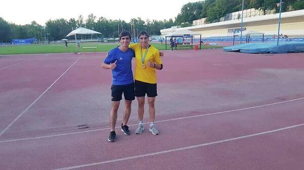 Таджикская легкоатлетка Гулсумби Шарифова  - Sputnik Таджикистан