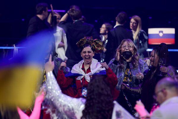 Эмоции Манижи от выхода в финал Евровидения просто зашкаливали - Sputnik Таджикистан