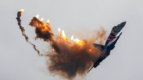 Истребитель Су-35С, архивное фото - Sputnik Таджикистан