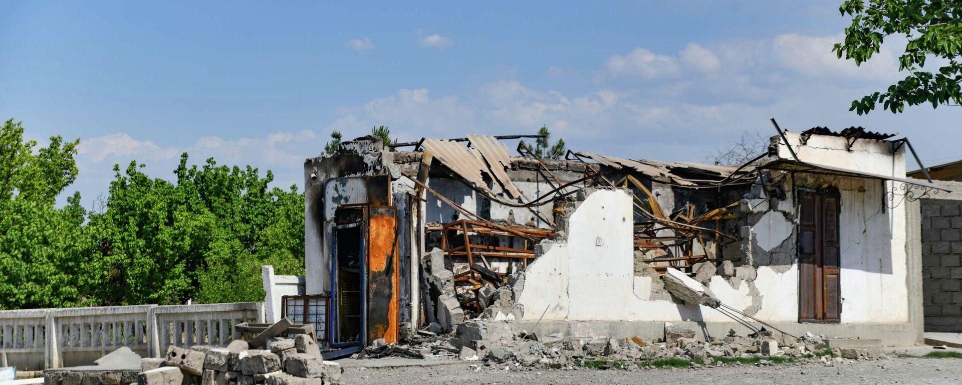 Последствия столкновений на границе между таджиками и кыргызами - Sputnik Таджикистан, 1920, 29.05.2021