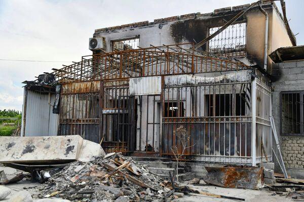 Хистеварз - регион, наименее пострадавший от столкновений 29 апреля на таджикско-кыргызской границе. Однако разрушения все же есть - Sputnik Таджикистан