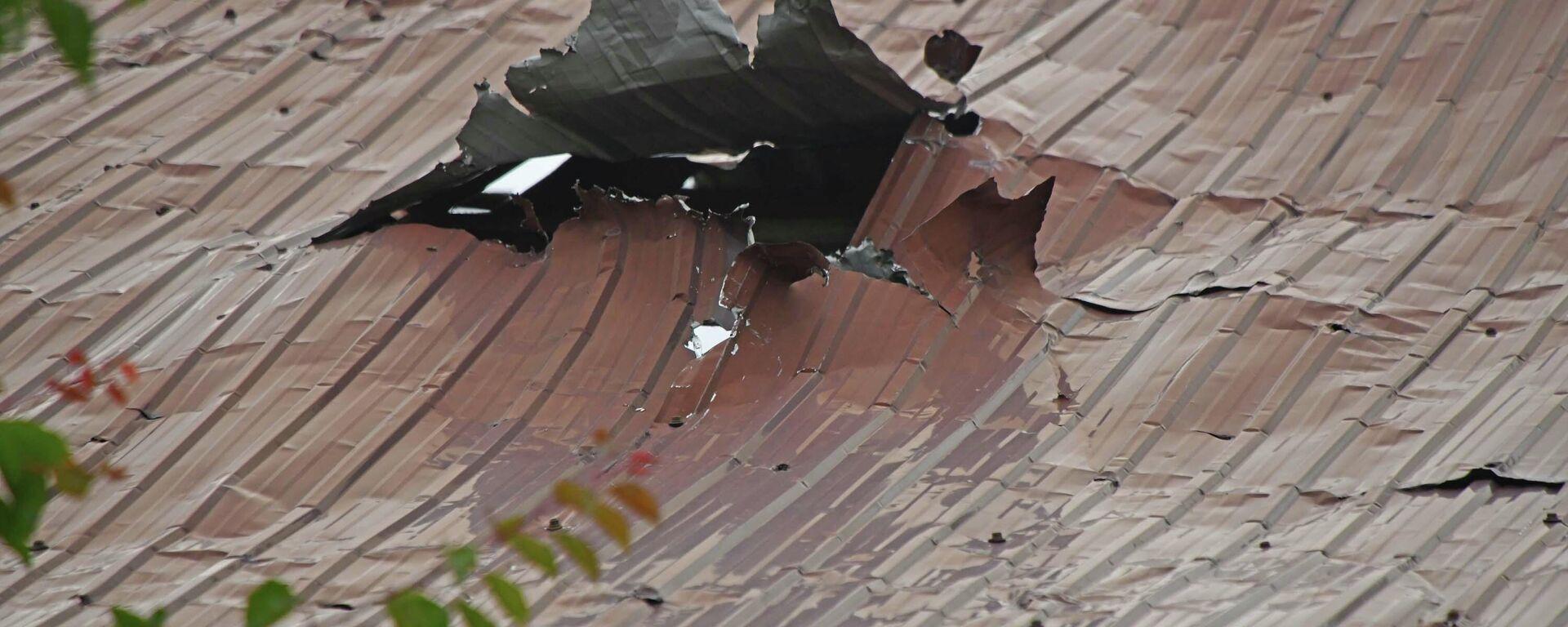 Разрушенные дома после столкновений между таджиками и кыргызами  - Sputnik Таджикистан, 1920, 18.06.2021