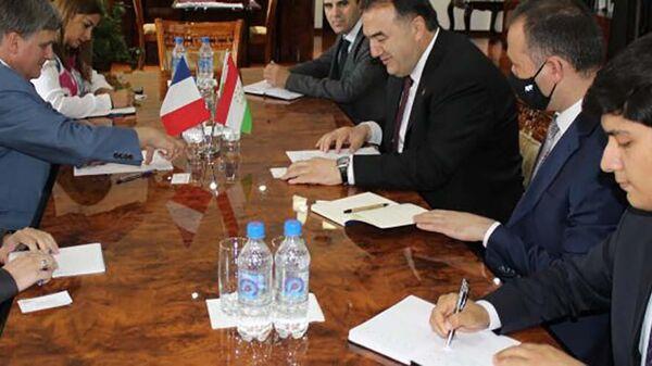 Глава Минэнерго Таджикистана встретился с послом Франции в Таджикистане - Sputnik Тоҷикистон