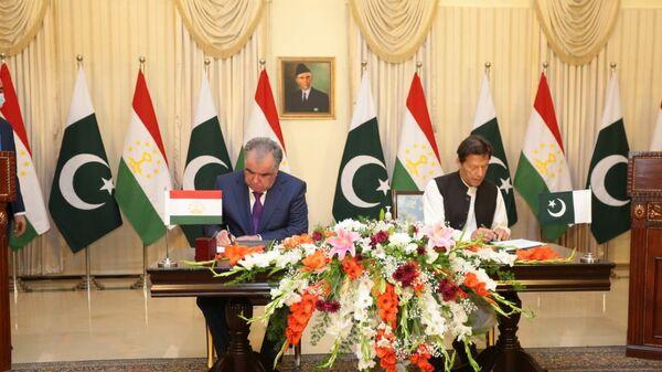 Подписания соглашений / меморандумов о взаимопонимании между Пакистаном и Таджикистаном - Sputnik Таджикистан