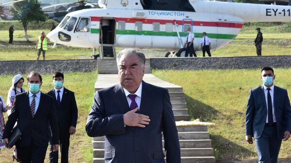 Рабочая поездка президента Таджикистана Эмомали Рахмона в Нурабадский район - Sputnik Тоҷикистон
