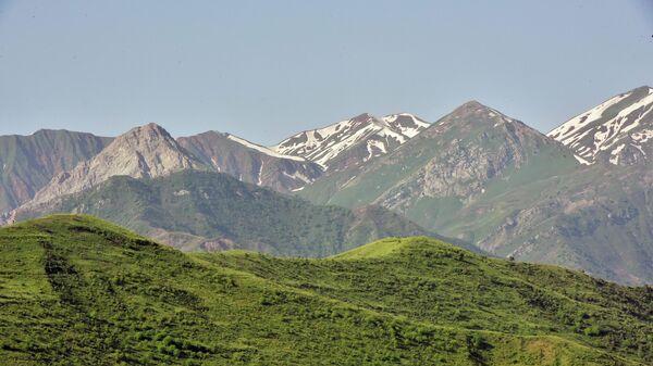 Горы в Нурободском районе Таджикистане - Sputnik Тоҷикистон