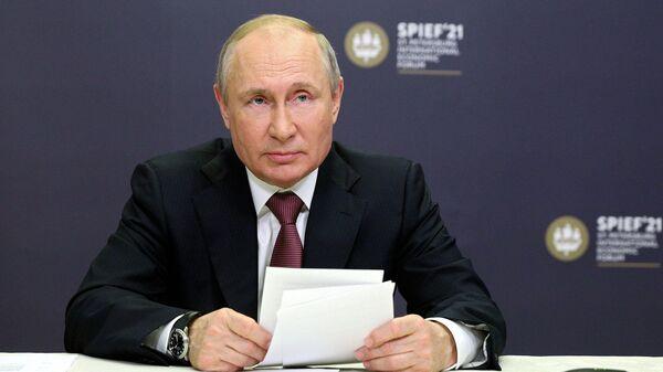 Путин о преследовании российских журналистов за рубежом - Sputnik Таджикистан