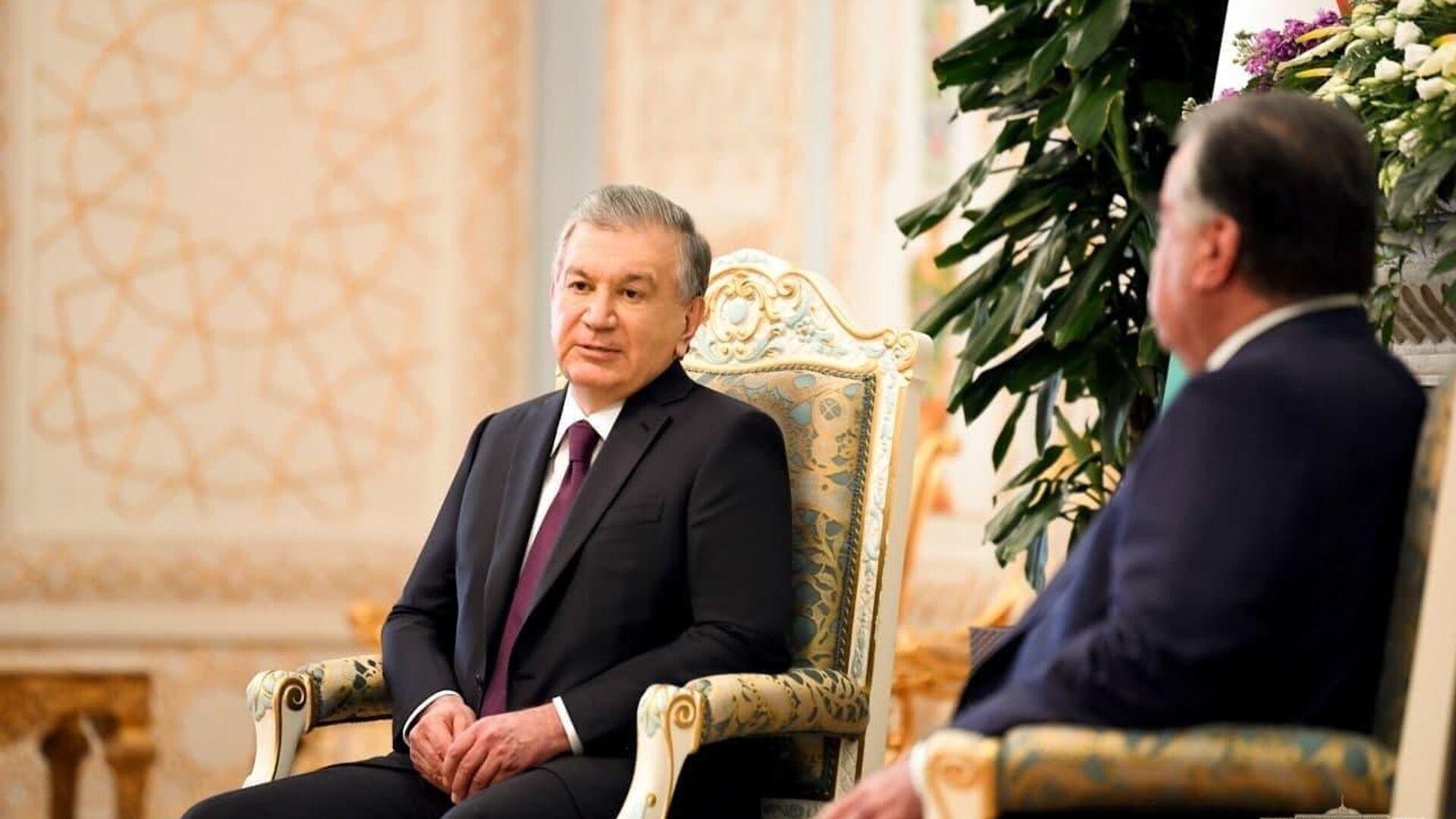 Президент Республики Узбекистан Шавкат Мирзиёев прибыл с официальным визитом в Республику Таджикистан - Sputnik Тоҷикистон, 1920, 24.09.2021